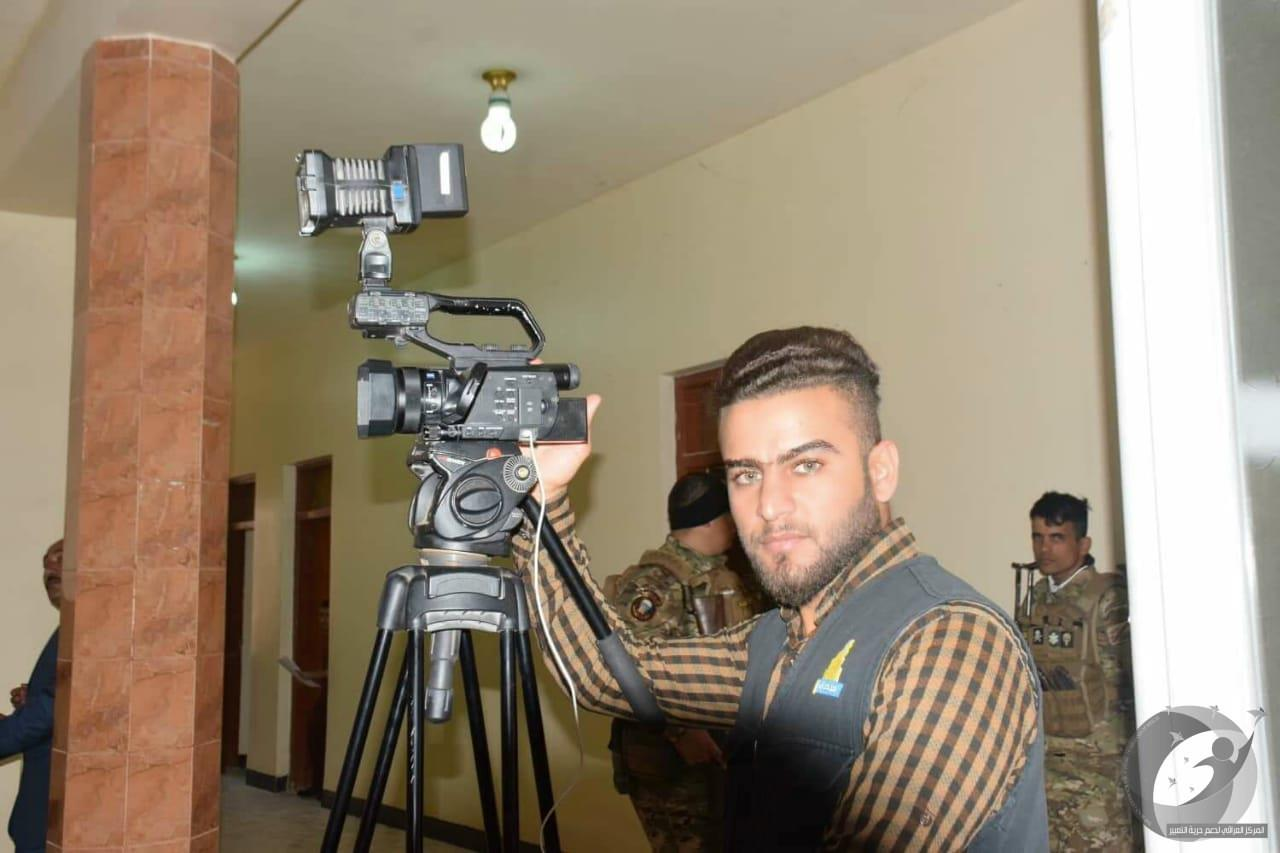 Rights refuses to detain a television cameraman in Anbar and prepares an attack is not appropriate for the security forces